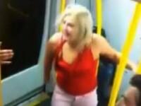 Ce a facut o blonda intr-un metrou din Sydney de a fost aruncata de ceilalti pasageri din vagon