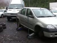 Doi barbati din Sibiu sunt cercetati penal pentru furt de anvelope
