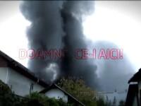 Fumul gros de peste afacerea ARO. Aerul toxic dupa explozia din Campulung ridica semne de intrebare