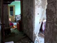 Blocul din Fieni care a explodat ar putea fi demolat. Familiile au ramas in strada