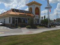O femeie a nascut in toaleta unui McDonald's, la 5 minute dupa ce a intrat in travaliu