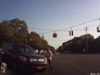 Aproape in coma alcoolica, o soferita din SUA a lovit un alt autoturism, de 2 ori. Accidentul, filmat de camera de bord
