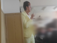Fusta pentru care o eleva de 11 ani a fost data afara de directoare. Revolta mamei a pornit o ancheta a Inspectoratului