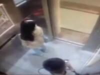 Momentul in care o femeie este atacata de un necunoscut in lift, surprins de camerele de supraveghere. VIDEO