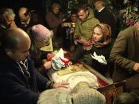 Pelerinii de la moastele Sfintei Parascheva au stat si 15 ore la coada de peste 2 km: