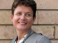 Moarte suspecta a unei foste jurnaliste BBC. Femeia a fost gasita spanzurata pe un aeroport, dupa ce ar fi pierdut un zbor