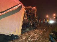 Muncitor de la salubrizare mort dupa ce a fost strivit intre masina de serviciu si un camion. Cum s-a produs accidentul