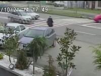 O femeie din Baia Mare a fost lovita in plin, pe trecerea de pietoni. Accidentul a fost filmat de camerele de supraveghere
