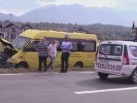 Un microbuz cu turisti bulgari, implicat intr-un accident la iesirea din Bran. Patru persoane au fost ranite