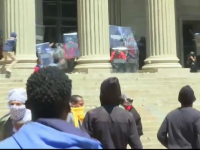 Cel mai mare protest al studentilor din ultimii 22 de ani, in Africa de Sud. Violentele pe treptele unei universitati