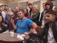 Concurs de mancat ardei iuti, la Timisoara. 35 de temerari s-au chinuit sa reziste celor mai puternici chili din lume
