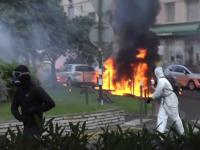 Ciocniri violente in Corsica intre nationalisti si forte de ordine. Protestatarii au atacat cu cocktailuri Molotov