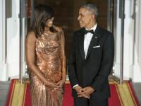 Michelle Obama a facut senzatie cu o rochie Versace la ultimul dineu de stat de la Casa Alba. GALERIE FOTO