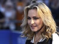 Un jurnalist s-a prezentat la usa Madonnei cu dovada ca a votat cu Hillary. Cantareata promisese sex oral celor care o aleg