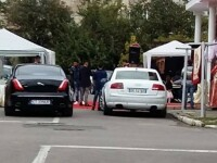 O nunta de romi a blocat traficul pe o strada din Constanta. Reactia politiei dupa ce localnicii s-au plans