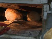 5% din painea de pe piata a fost decongelata inainte de coacere. Amenda pe care o primesc vanzatorii daca nu ne informeaza