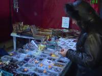 Cei 4.000 de pelerini veniti la Patriarhie nu i-au uitat pe comercianti. \