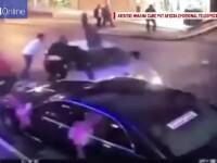 Imagini socante in Turcia, unde un barbat a dat intentionat cu masina peste 5 persoane. De ce a facut asta