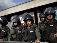 Situatie tensionata din Venezuela se amplifica: un politist ucis si doi raniti in timpul manifestatiei opozitiei