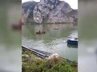 Operațiunile de căutare a familiei care a căzut cu mașina în Dunăre au fost oprite