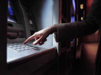 Un român a perfecționat tehnologia pentru fraude bancare. Vindea dispozitive de skimming performante în toată lumea