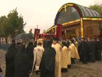 """Procesiunea """"Calea Sfinților"""" din Capitală a fost anulată din cauza ploii. Soluția găsită de preoți"""