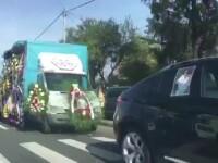 Înmormântarea care a blocat o șosea din Pitești