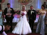 Traian Băsescu şi Elena Udrea, invitaţi la nunta primarului din Ulmeni. Petrecerea a avut loc în 7 sate. FOTO