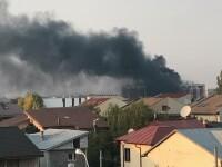 Incendiu la un bloc în construcție din nordul Capitalei. VIDEO