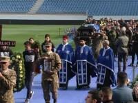 Ilie Balaci, plâns și aplaudat de mii de oameni. Hagi și Popescu au participat la înmormântare