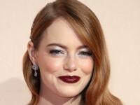 Emma Stone susţine că rochiile de epocă purtate în