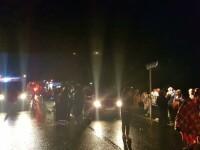 O femeie a murit şi 32 au ajuns la spital după ce un autocar s-a răsturnat în Hunedoara