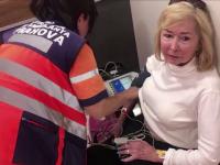 O turistă din SUA, venită în vacanţă în România, a rămas blocată o oră într-o toaletă din Ploieşti