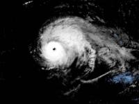 Uraganul Isaias scade din intensitate înainte de a atinge coastele Floridei
