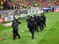 Incidente la finalul meciului FCSB - Dinamo. Șase persoane, amendate și interzise pe stadion