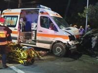 O ambulanță care transporta un pacient în stare gravă, lovită în plin, în Timișoara