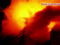 Dezastru pentru o familie din Bistriţa. Un incendiu violent le-a distrus casa