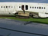 Bărbatul care are un avion de pasageri în curtea casei. Ce plănuiește omul să facă