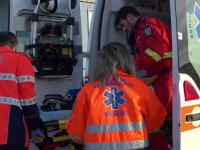 Accident cu 8 victime în Vâlcea, după ce un microbuz a intrat într-un TIR