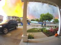 Localnicii afectați de incendiile din California nu vor să-și părăsească locuințele