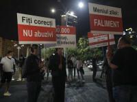 Proteste în Piaţa Victoriei, faţă de închiderea restaurantelor şi cafenelelor la interior
