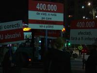 Sute de angajați din HoReCa și-au strigat nemulțumirile în Piața Victoriei.