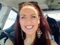 O femeie, ucisă de câinele unui prieten, s-a sacrificat ca să-și salveze cele două fiice