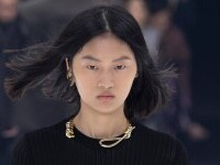 FOTO Colier în formă de ștreang, prezentat Givenchy la Paris. Casa de modă a atras numeroase critici