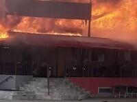 Incendiu devastator în județul Arad. Un restaurant a ars precum o torță