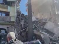 O clădire de șapte etaje s-a prăbușit din senin, în Georgia. Cel puțin trei persoane, scoase de sub dărâmături