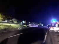 Nuntași încarcerați în limuzină, într-un accident din Cluj. Câte victime au extras pompierii