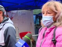 """Românii fac cozi la vaccinare: """"Merg cu soțul, l-am convins. Nu suportăm să fim închiși"""""""