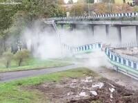 Un viaduct s-a prăbușit peste o șosea la Koszalin, în Polonia. Care a fost motivul