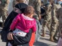 """O mamă afgană și-a vândut fiica pentru 500 de dolari. """"Ceilalți copii ai mei mor de foame. Nu am avut de ales"""""""